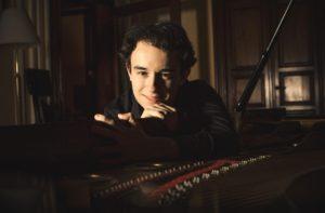 Il talento pianistico di Axel Trolese per Araba Fenice