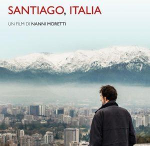 """Domenica 23 dicembre Nanni Moretti presenterà il suo nuovo film, """"Santiago, Italia"""", che dopo la trionfale accoglienza al Festival di Torino sta ottenendo consensi trasversali."""