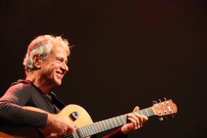Michele Ascolese: il suonatore Faber