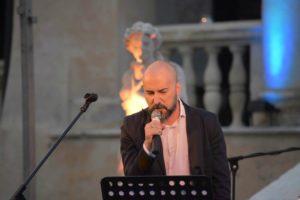 """""""La pioggia di Agosto"""", il primo singolo da solista di Enrico Zambelli."""