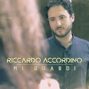 """""""Mi guardi"""" è il primo EP di Riccardo Accordino."""
